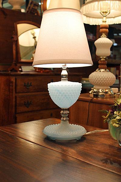 160407blue.milkhobnail.tablelamp