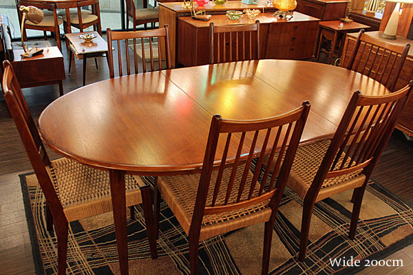 160613-M.C.-dining-table&chair03