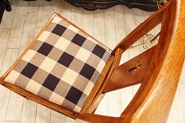 160615-UK-church-chair-A6