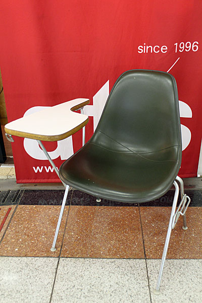 160615-eames-chair-green--A