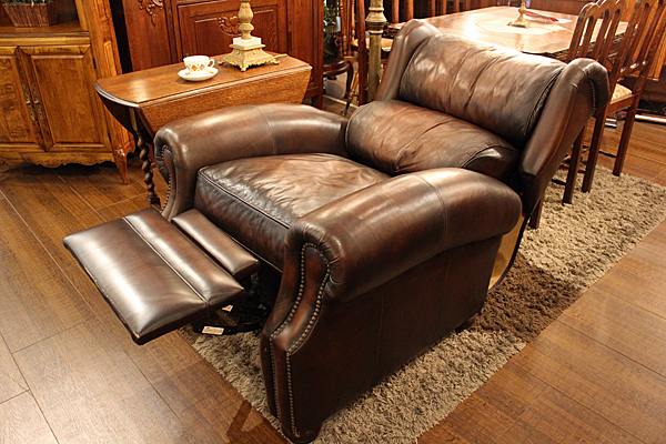 161226leathersofarecliner1