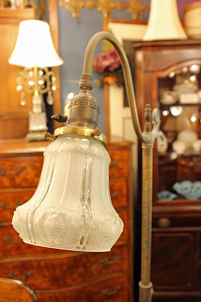 ]0170816swanneckgreenglaslamp7